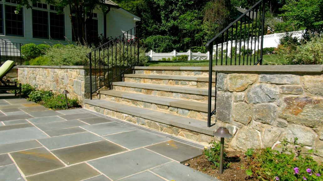 Stone Steps Coordinate With The Stone Retaining Wall Curved Stone Stairs ...